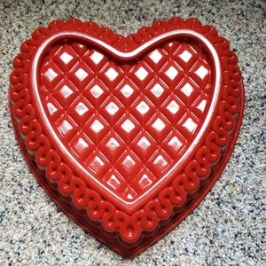10 inch heart pan for cake Nordic Ware
